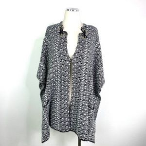 Sweaters - Black & White Knit Open Cardigan w/ Front Pockets